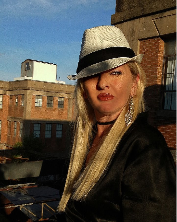 Hemprenuer Spotlight With Diana Oliver – Hemp Filmmaker Producer of the Original Hempsters Plant the Seed